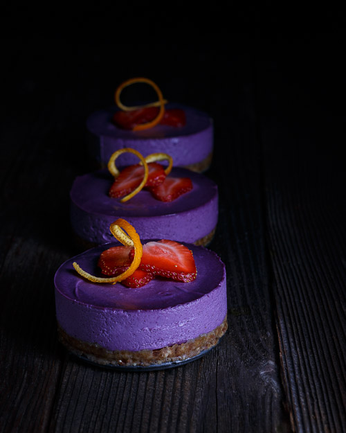 Blueberry Raw Cakes