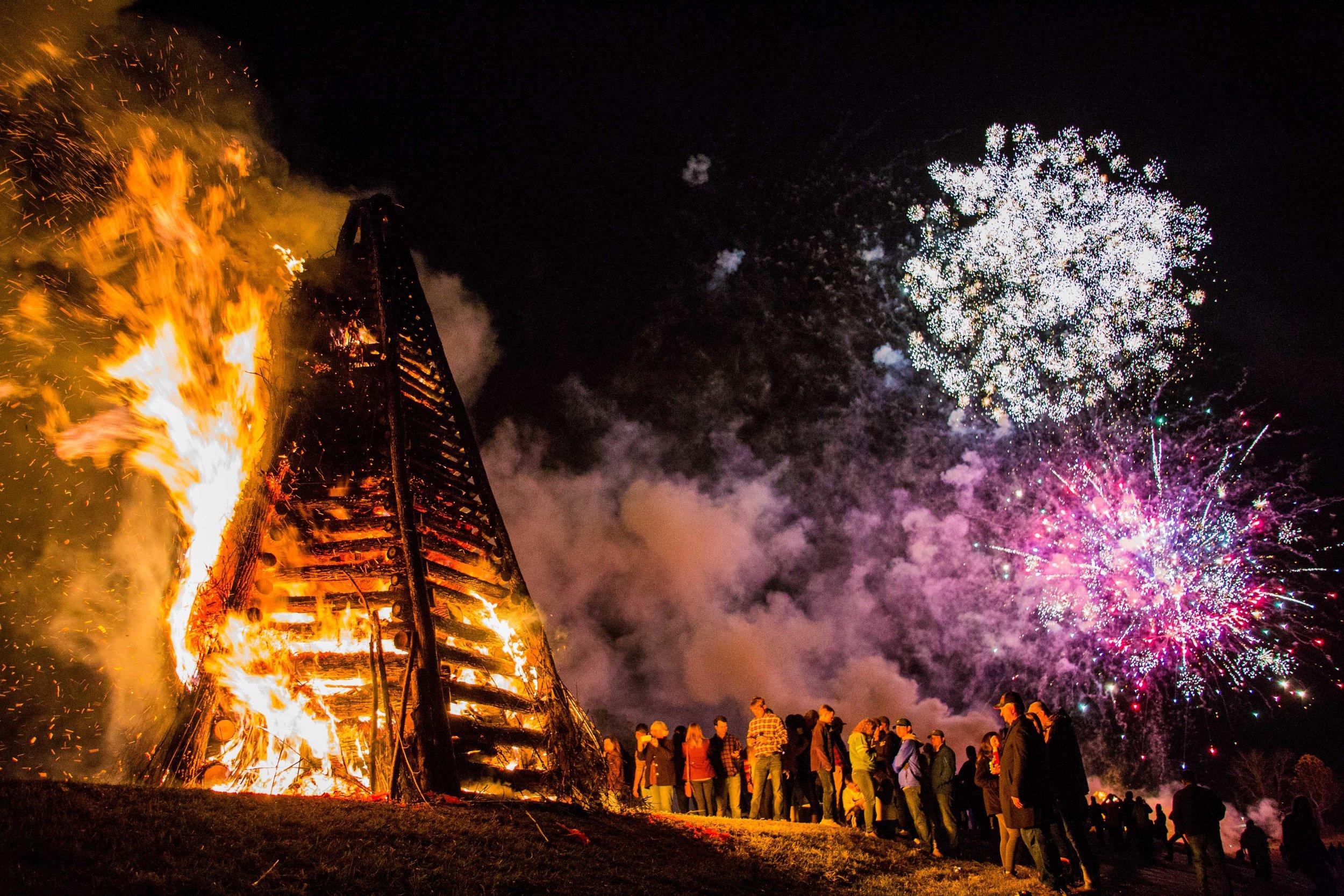Louisiana New Year's bonfires to welcome Papa Noel