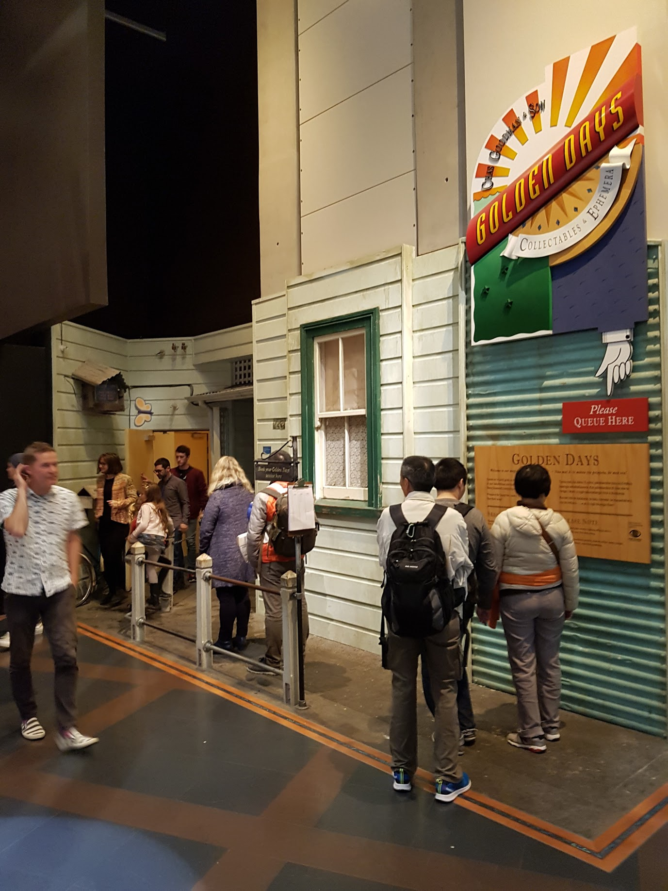 Visitors queue to see Golden Days shortly before its closure