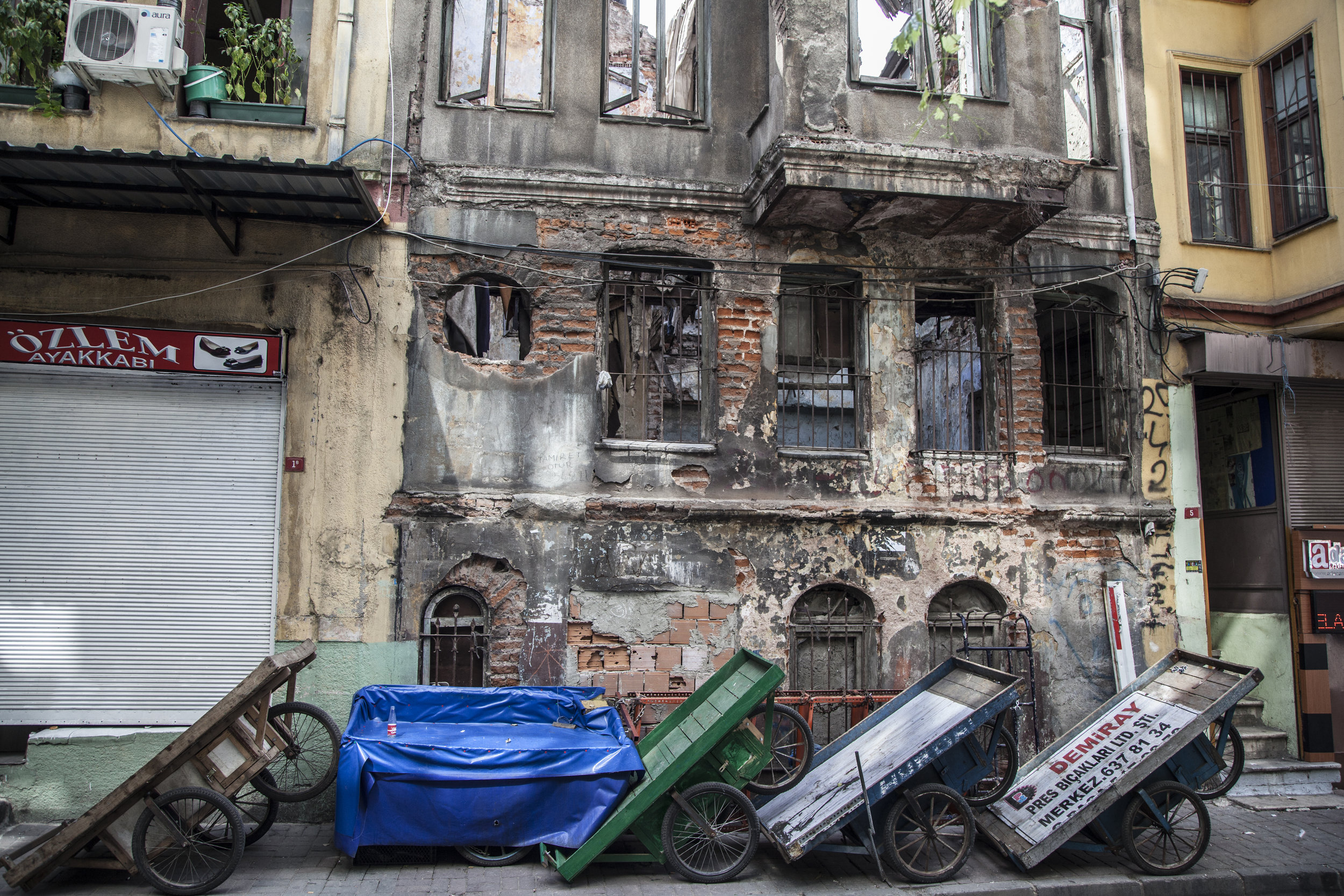 ISTANBUL CARTS