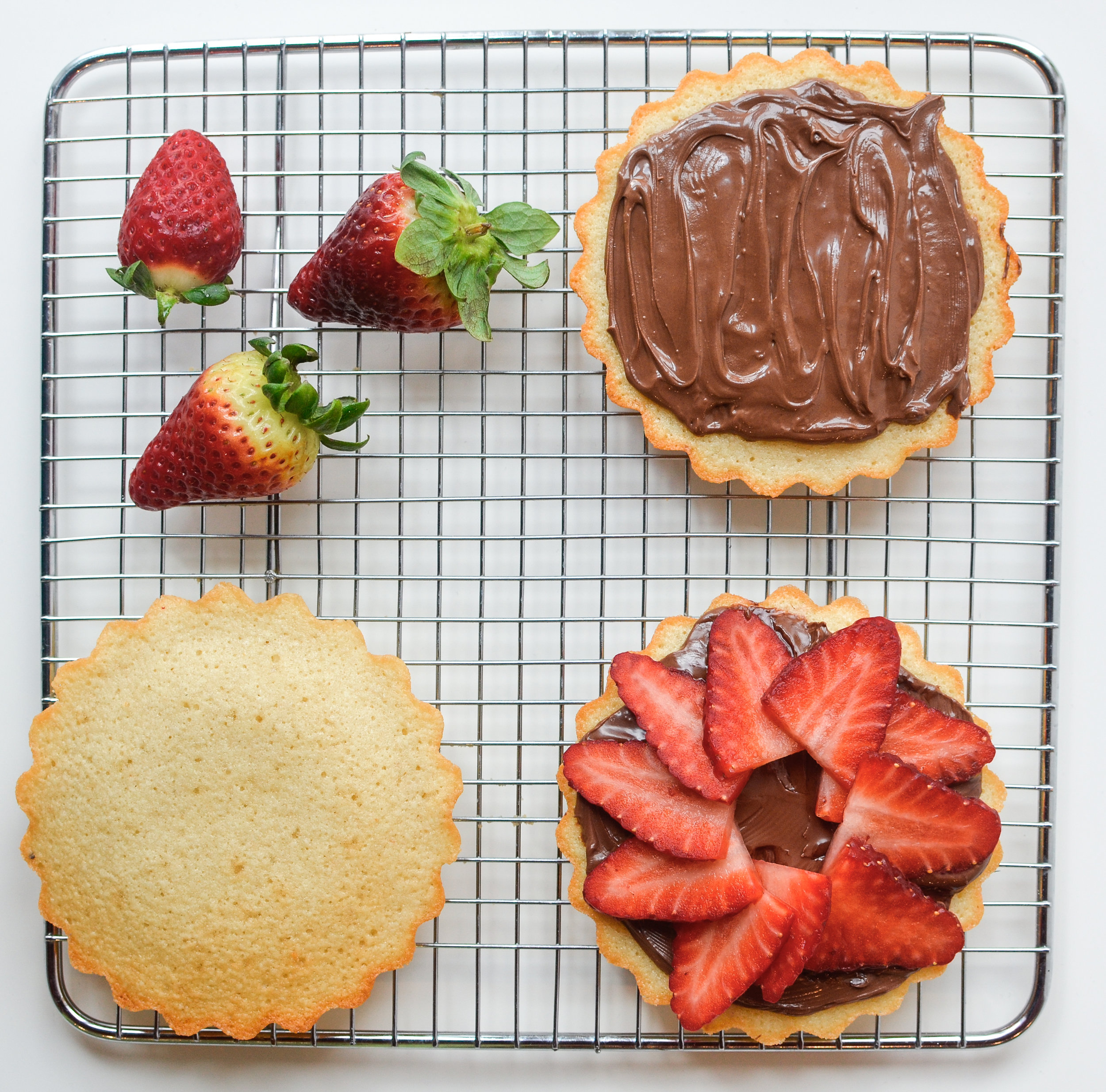 Strawberry Nutella Tart (Livin' for the Weekend, Cookbook).jpg