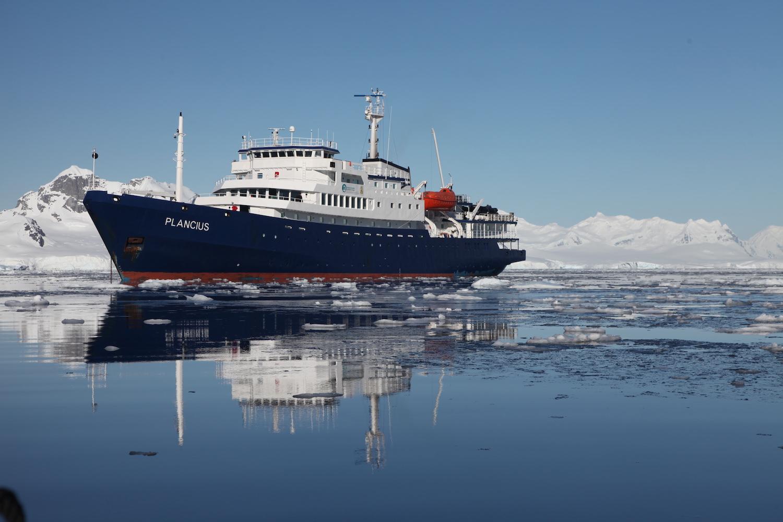 Plancius in Antarctica_Joerg Ehrlich.jpeg