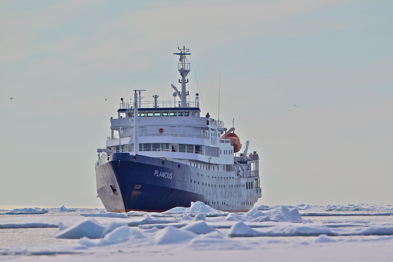 Plancius in pack ice, Spitsbergen_Gerard Regle.jpeg