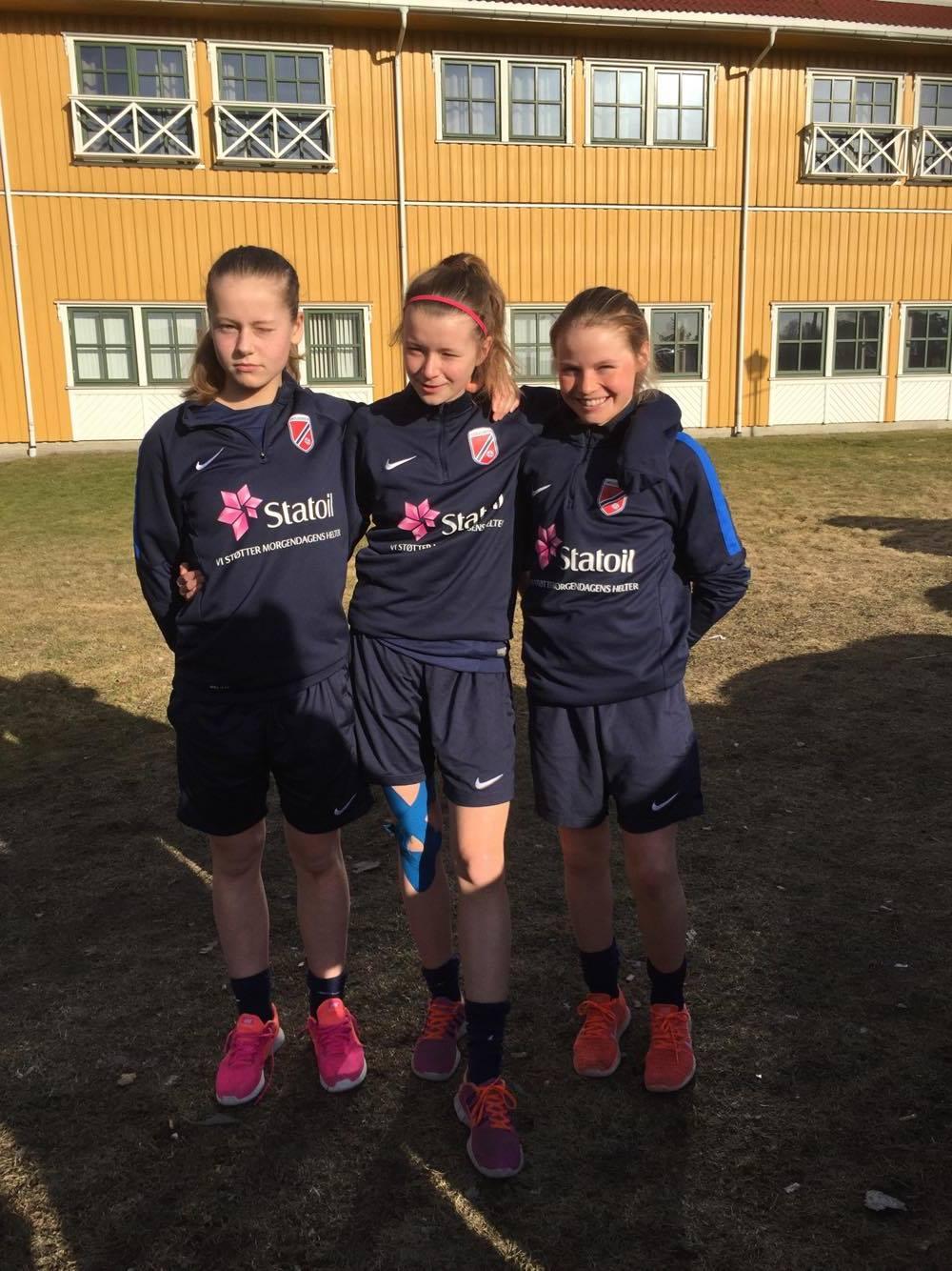 Lynjentene fikk kjenne litt på det øverste nivået i Norge på 2003-kullet, og gjorde seg godt bemerket. Alle jentene var på vinnerlaget da treningskamp nr 2 ble gjennomført på samlingens siste dag.