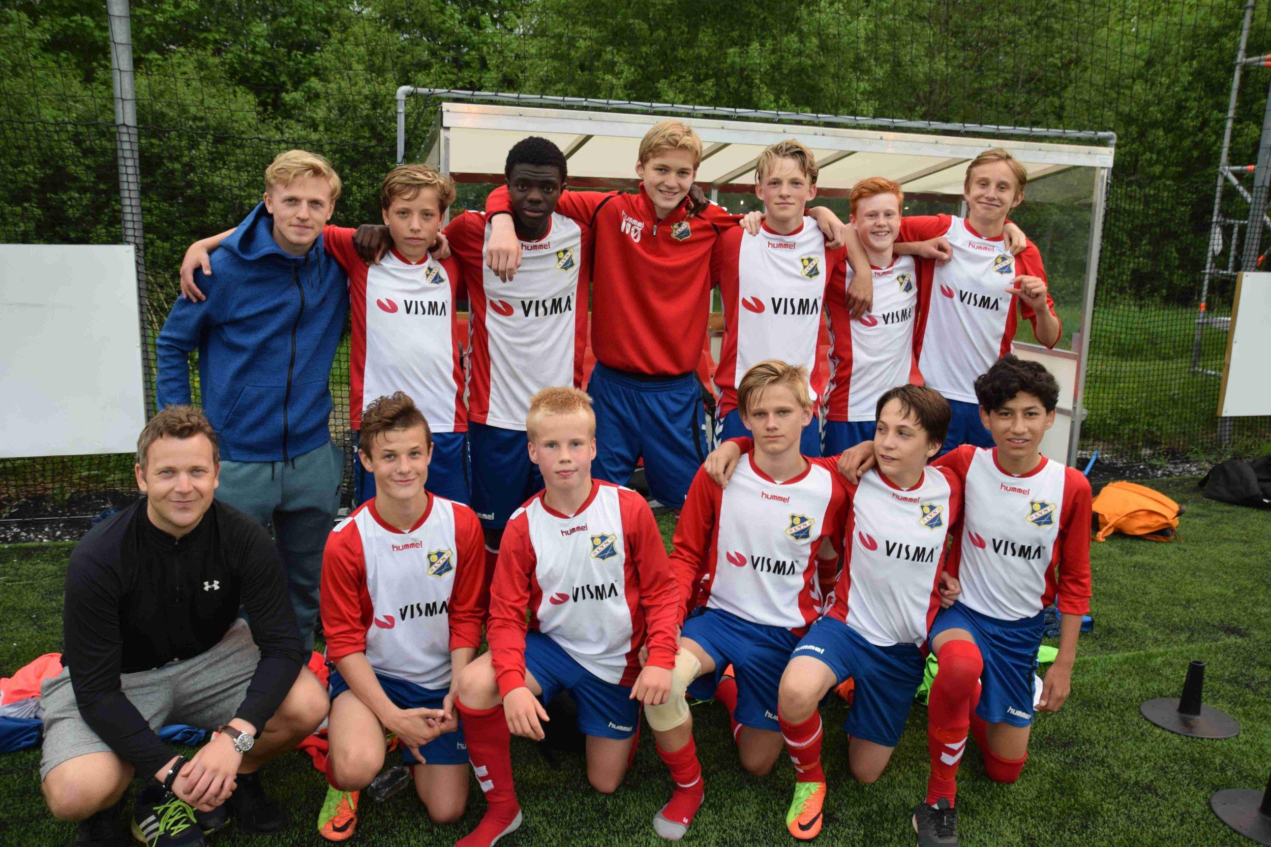 Bilde av laget etter kamp
