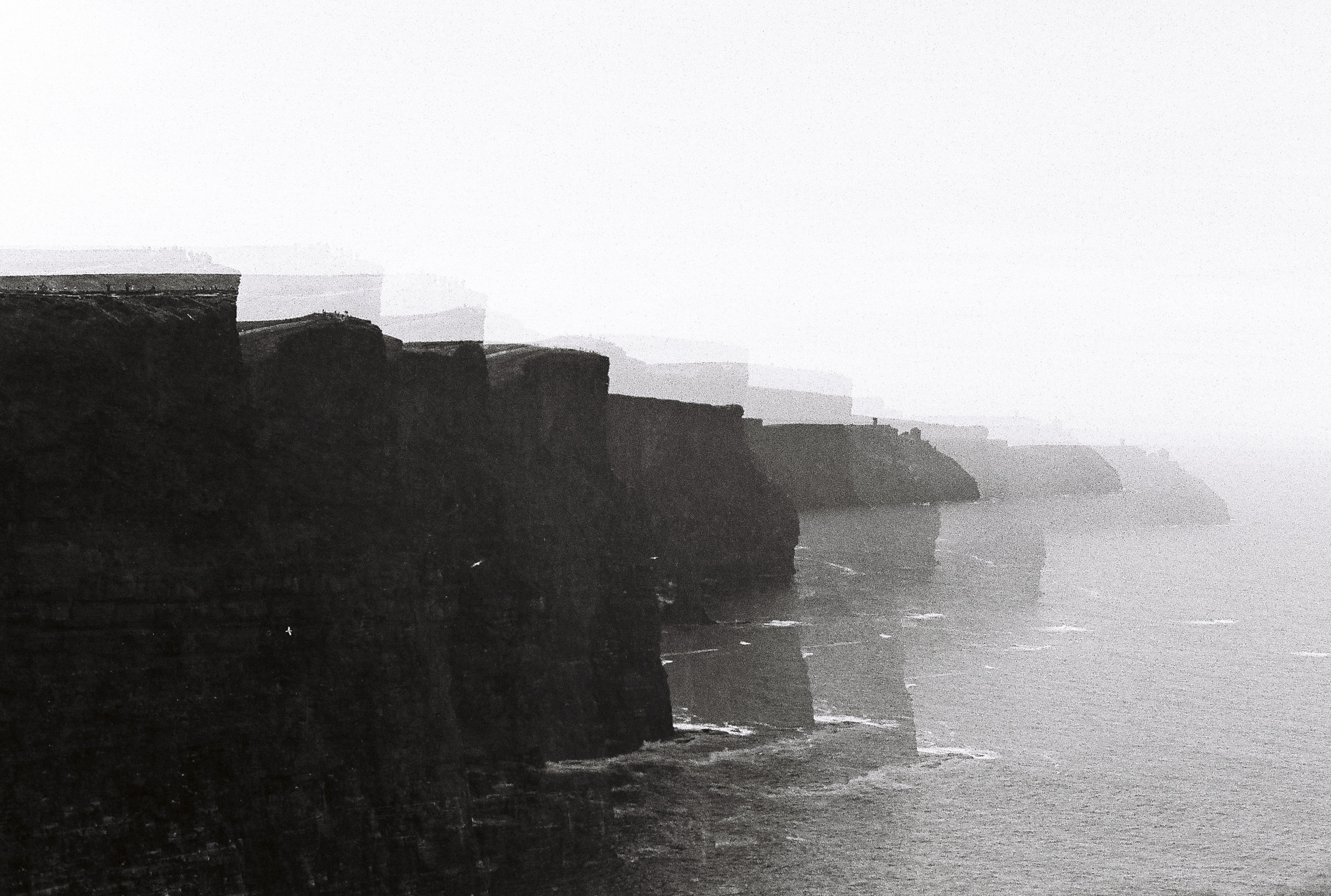 CS_20170417_CanonEOS10_IlfordHP5400_F144_Irlande_CliffsOfMoher (1)R.jpg