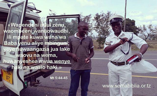 Pale ulipo, tupo . . . .  #somabiblia #tupendane #nenolamungu #msingibora #tujengenchi #vitabuvyakikristo #somavitabu