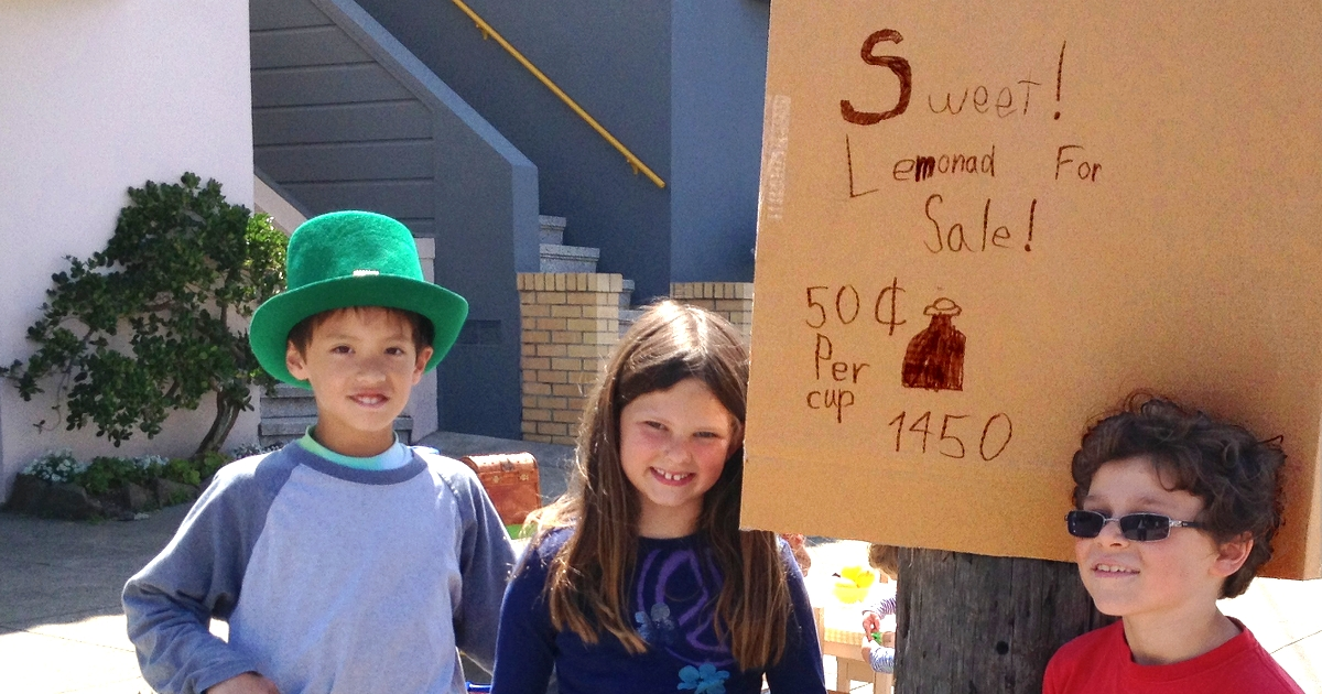 SF Sunset neighborhood fresh lemonade stand with cute, enterprising kids.