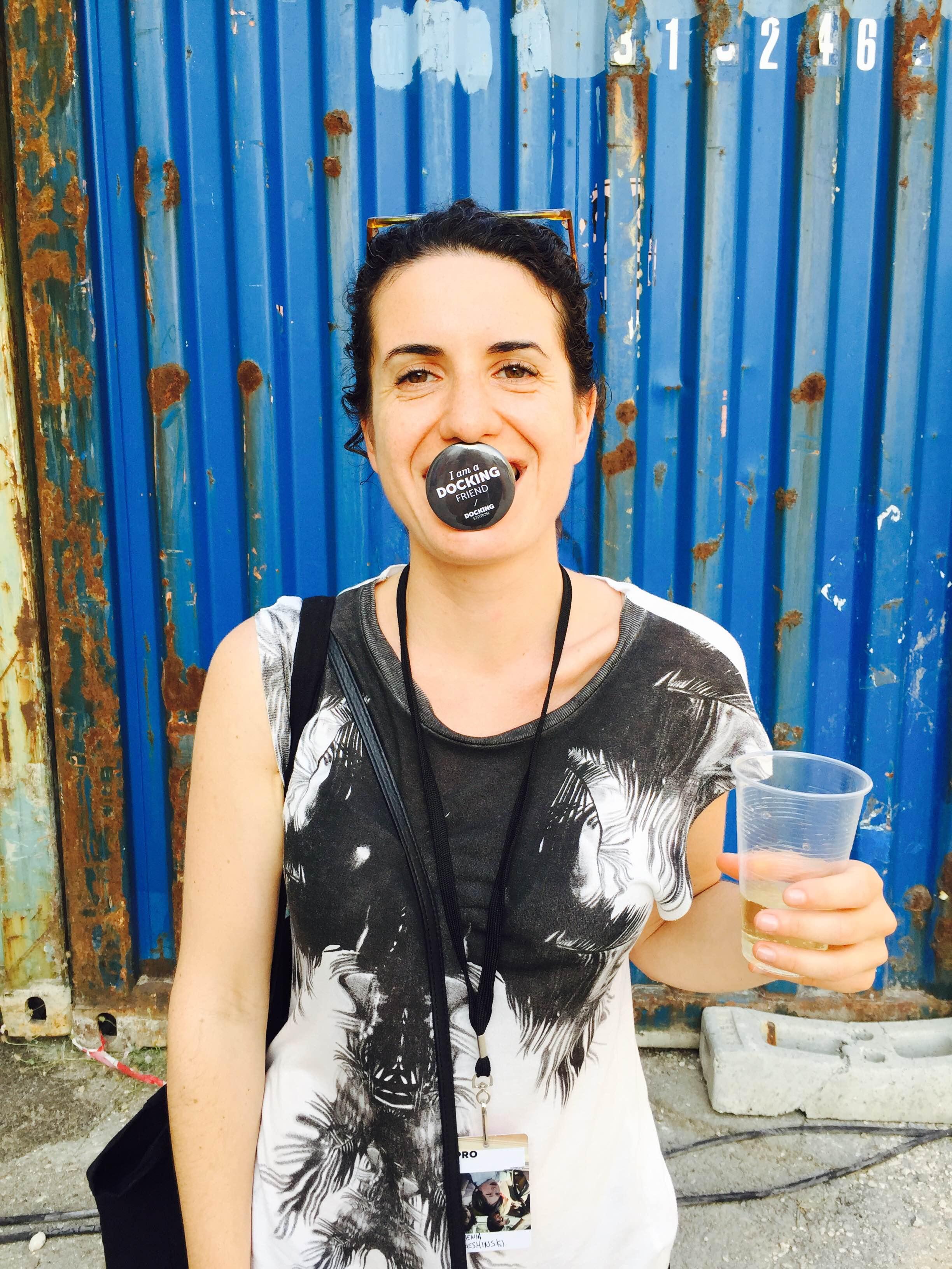 ZHENIA SVESHINSKY     Freelance curator