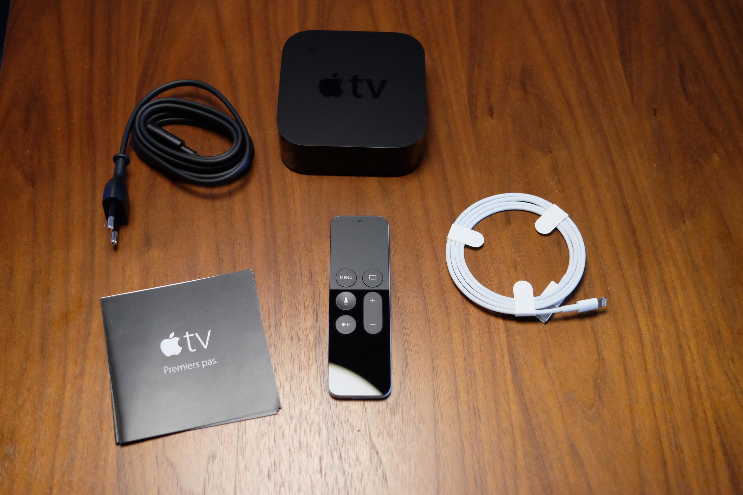 Apple TV 4 package content - Photograph Philippe Regnier