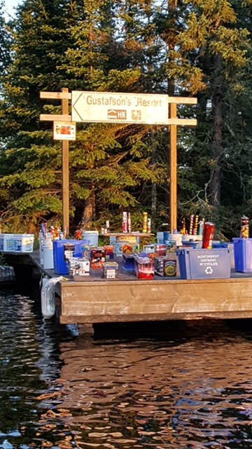 Canada celebrates its 150th and everyone at our camp joined in.... Curtis did a nice job in organizing the fireworks!