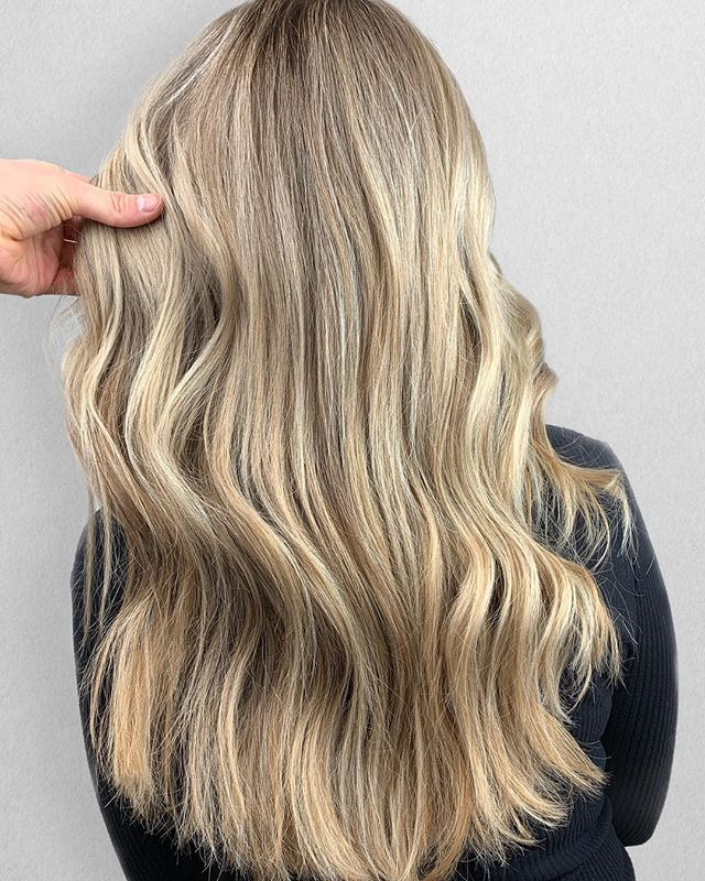 BEACH - R E A D Y 🏖 • • • • Color + Cut + Style = @seanmichaelhair || 📍= @thesalonbeau ➡️ For Appointments : Call or Book Online. Phone number and link in bio! • • • #seanmichaelhair #beautylaunchpad #behindthechair #americansalon #btcfirstfeature #hairlove #distinctlynorthshore #mastersofbalayage #bestofbalayage #thesalonbeau #licensedtocreate #ittakesapro #modernsalon #blondebalayage #balayage #andoversalon #hairphotography #citiesbesthairartists #bostonma #bestofboston #bestofnorthshore #hairpictures #productclub @productclub #hairlovr #getintheclub #hairoftheday #scagree #yeshairdotcom #hairinspo #haireducation