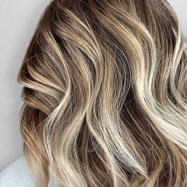 D E P T H. 😍 • • • • Color + Cut + Style = @seanmichaelhair || 📍= @thesalonbeau ➡️ For Appointments : Call or Book Online. Phone number and link in bio! • • • #seanmichaelhair #beautylaunchpad #behindthechair #americansalon #btcfirstfeature #hairlove #distinctlynorthshore #mastersofbalayage #bestofbalayage #thesalonbeau #licensedtocreate #ittakesapro #modernsalon #blondebalayage #balayage #andoversalon #hairphotography #citiesbesthairartists #bostonma #bestofboston #bestofnorthshore #hairpictures #productclub @productclub #hairlovr #getintheclub #hairoftheday #scagree #yeshairdotcom #hairinspo #haireducation