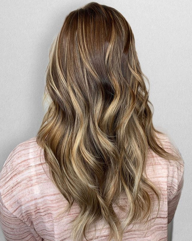 WARM BALAYAGES      ⠀⠀⠀⠀⠀⠀⠀⠀⠀ •⠀⠀⠀⠀⠀⠀⠀⠀⠀ •⠀⠀⠀⠀⠀⠀⠀⠀⠀ •⠀⠀⠀⠀⠀⠀⠀⠀⠀ 📍= @thesalonbeau ➡️ For Appointments : Call or Book Online. Phone number and link in bio! ⠀⠀⠀⠀⠀⠀⠀⠀⠀ •⠀⠀⠀⠀⠀⠀⠀⠀⠀ •⠀⠀⠀⠀⠀⠀⠀⠀⠀ •⠀⠀⠀⠀⠀⠀⠀⠀⠀ #seanmichaelhair #beautylaunchpad #behindthechair #americansalon #btcfirstfeature #hairlove #distinctlynorthshore #mastersofbalayage #bestofbalayage #thesalonbeau #licensedtocreate #ittakesapro #modernsalon #blondebalayage #balayage #andoversalon #hairphotography #citiesbesthairartists #bostonma #bestofboston #bestofnorthshore #hairpictures #productclub @productclub #oliviagardenint #getintheclub #hairoftheday #scagree #oliviagarden #hairinspo #haireducation