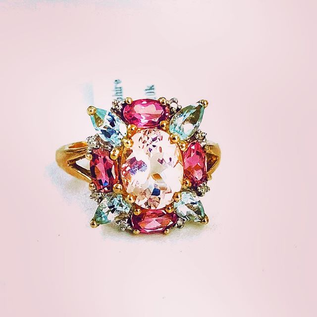 When you keep seeing the same things over and over again. It's time to add something fun and new like this couture gemstone ring  #kunzite #aquamarine #pinktourmaline #jewelrypie #jisexchange #designer #ring #gemstone #jcklasvegas