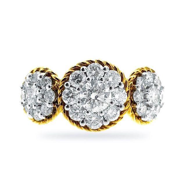 #threestonering #anniversaryring #diamondring