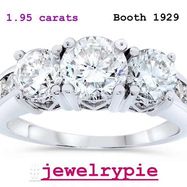 @jewelry.pie @jis_show #platinum #diamondring #pastpresentfuture #threestonering #threestonediamondring #anniversarygift #anniversaryring #jewelrypie #jisshow