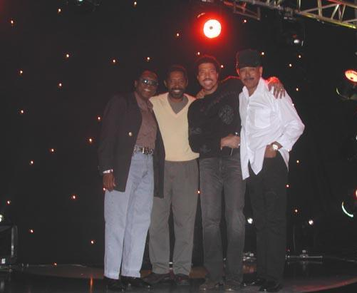 LIONEL WITH COMMODORES AT TV SHOW TAPING.jpg