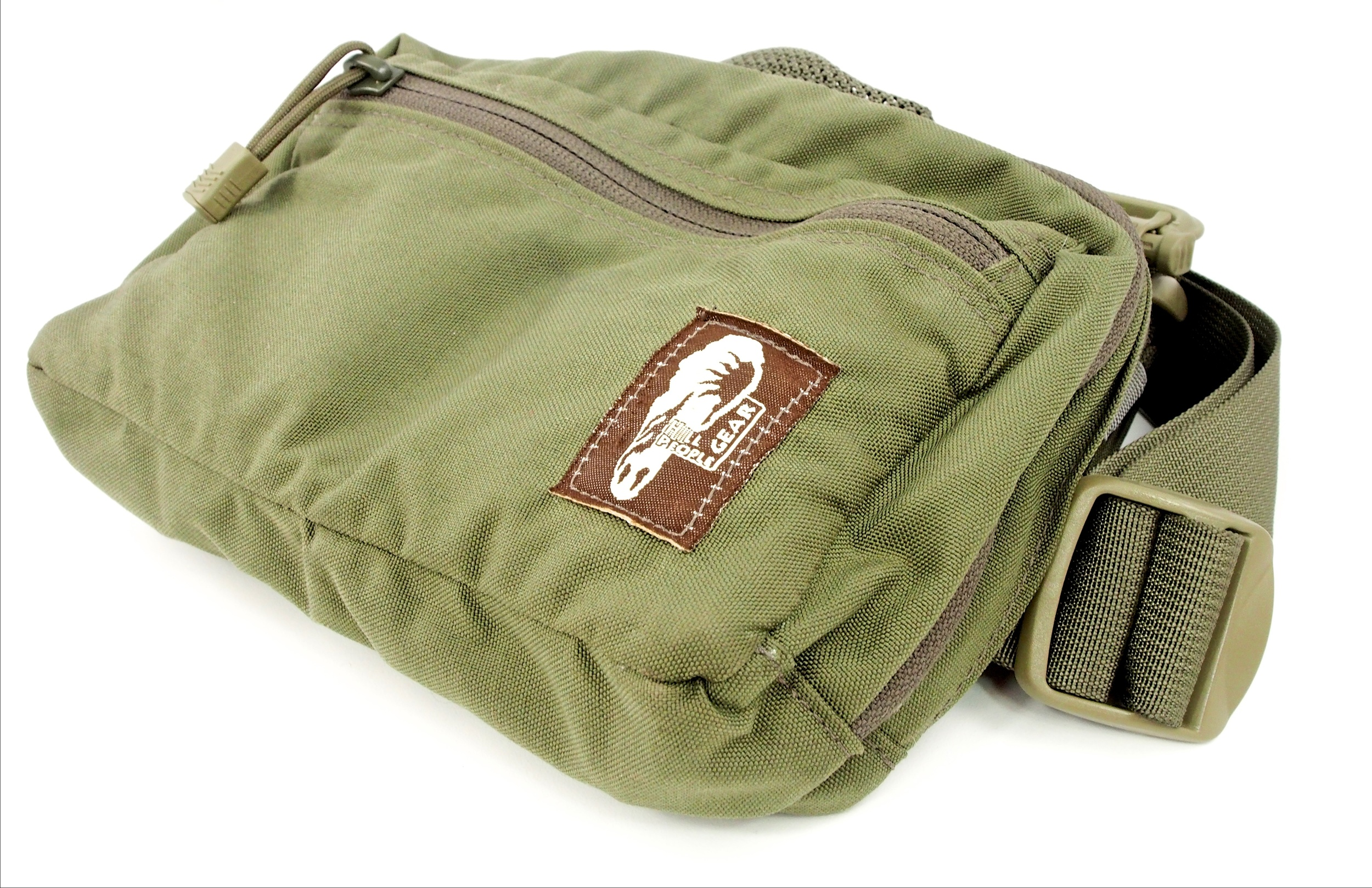 The Original Kit Bag and the Snubby Original are exactly the same except for sizing. The Snubby is built for those with smaller frames.