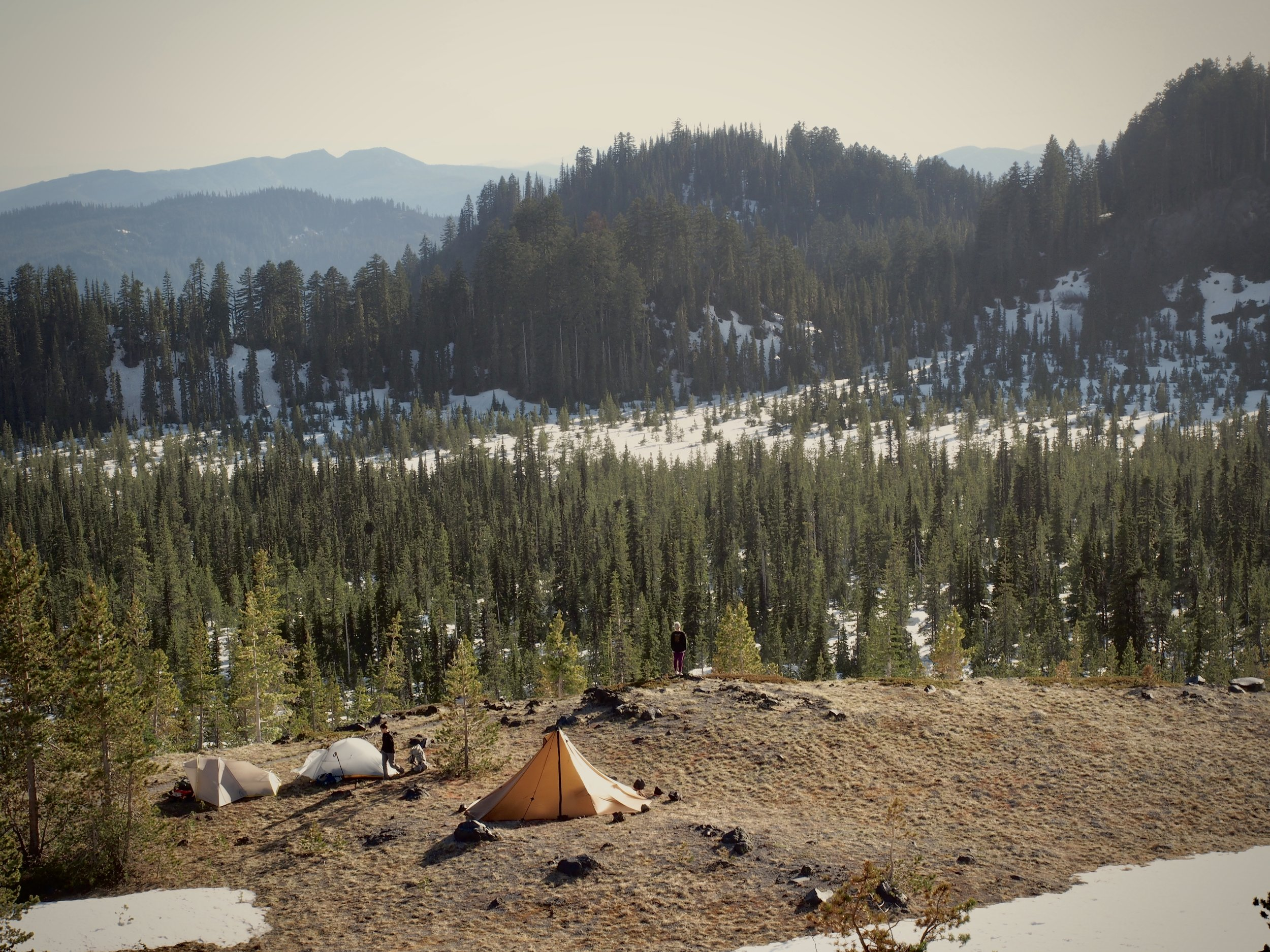 Home away from home in the backcountry. Check out the Redcliff in comparison to the Sierra Designs Lightning and the Big Agnes Fly Creek.