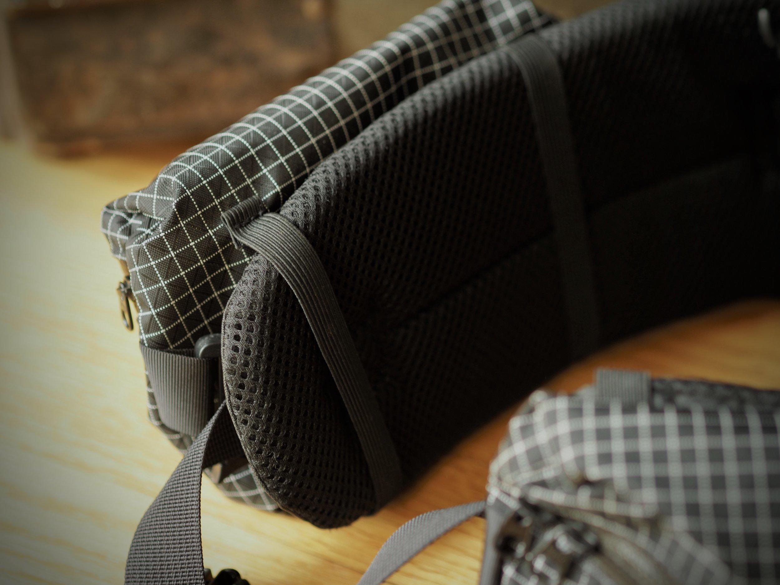 Removable hip belt pouches.