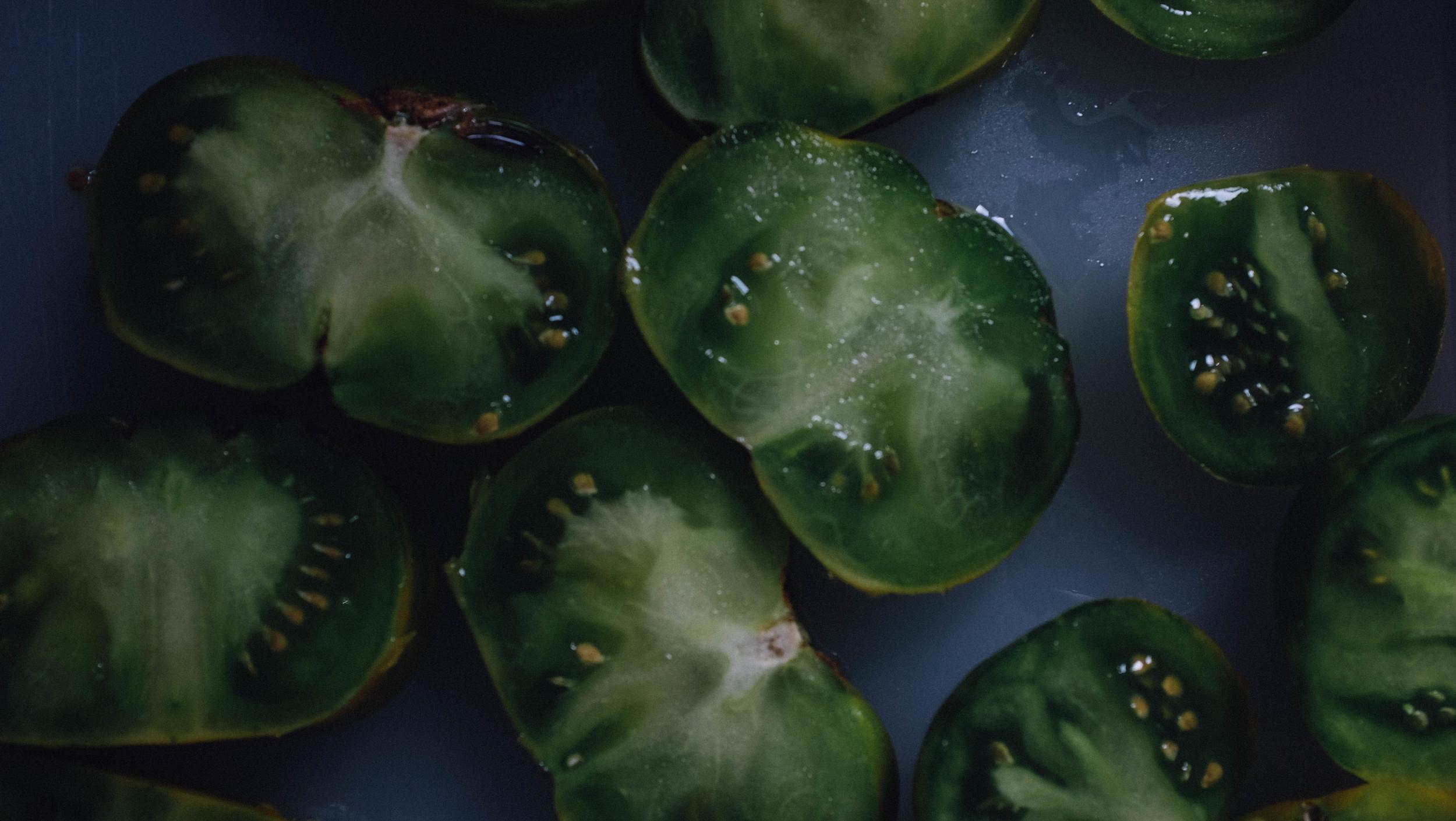 tomatoescut.jpg