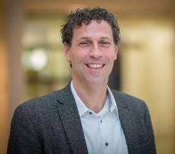 Dr. Marten Munneke worked alongside Dr. Bloem to establish ParkinsonNET in 2005