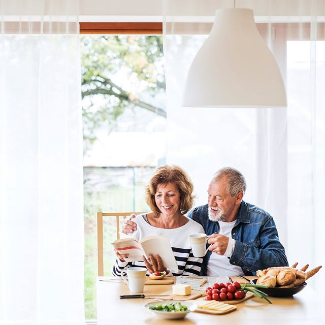 """""""Will changing my diet get rid of my Parkinson's symptoms?"""" ⠀⠀⠀⠀⠀⠀⠀⠀⠀⠀⠀ ⠀⠀⠀⠀⠀⠀⠀⠀⠀⠀ Here's the honest truth: Eating healthier won't completely rid you of your Parkinson's symptoms. ⠀⠀⠀⠀⠀⠀⠀⠀⠀⠀⠀⠀ 🥦While research on Parkinson's nutrition, diet, and supplementation is exploding, there is still no formal """"diet"""" to prescribe to cure or reverse Parkinson's progression. ⠀⠀⠀⠀⠀⠀⠀⠀⠀⠀⠀ What we do know, however, is that there is a strong connection between the health of your gut, the bugs that live there (aka. your """"gut microbiome""""), and the health of your brain. ⠀⠀⠀⠀⠀⠀⠀⠀⠀⠀⠀⠀ 🦠 Most people living with Parkinson's have a damaged gut and a disrupted gut microbiome. ⠀⠀⠀⠀⠀⠀⠀⠀⠀⠀⠀⠀ This damage leads to elevated levels of inflammation in the body and brain and contribute to a myriad of Parkinson's symptoms, including: 🔻Low energy 🔻Fatigue 🔻Constipation 🔻Depression 🔻Anxiety 🔻Weakness … do these sound familiar? ⠀⠀⠀⠀⠀⠀⠀⠀⠀⠀⠀⠀ . If you're waiting for a cure for Parkinson's, I'd like to invite you to change your perspective as we wait for that day to come... ⠀⠀⠀⠀⠀⠀⠀⠀⠀⠀⠀ 🧠 Instead of waiting to take action until you've found a cure, seek out methods that offer you some relief from your Parkinson's symptoms. ⠀⠀⠀⠀⠀⠀⠀⠀⠀⠀⠀⠀ For example: Did you know that certain foods are correlated with faster or slower Parkinson's progression? ⠀⠀⠀⠀⠀⠀⠀⠀⠀⠀⠀⠀ Foods correlated with FASTER progression: 🔸Drinking from plastic bottles 🔸Canned fruits and veggies 🔸Ice cream 🔸Cheese 🔸Diet soda ⠀⠀⠀⠀⠀⠀⠀⠀⠀⠀⠀ Foods correlated with SLOWER progression: 🔹Fresh fruits and veggies 🔹Nuts and seeds 🔹Olive oil 🔹Fish 🔹Fresh herbs and spices (esp turmeric) ⠀⠀⠀⠀⠀⠀⠀⠀⠀⠀⠀⠀ Now that you know, it's up to you to take action.  Please don't sit around and wait for a cure.  Worse yet, don't sit around and wait to deal with things """"as they come"""". I promise: they will.  And when they do you won't have as much time or energy as you do right now. ⠀⠀⠀⠀⠀⠀⠀⠀⠀⠀⠀ 🎯 If you need guidance, our new online course The Parkinson's Gut Health Protocol (link in b"""