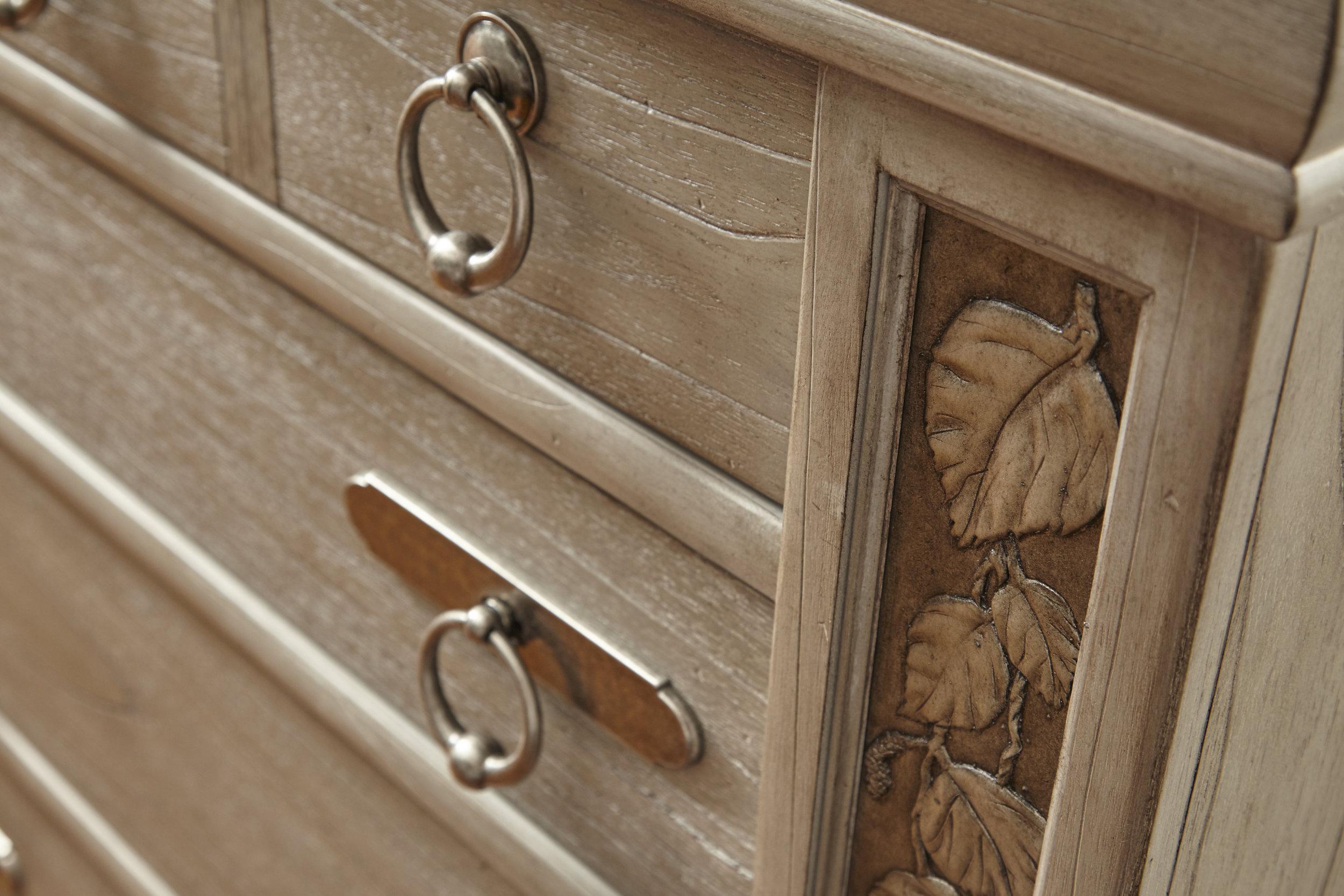 Cabinet_D1.jpg