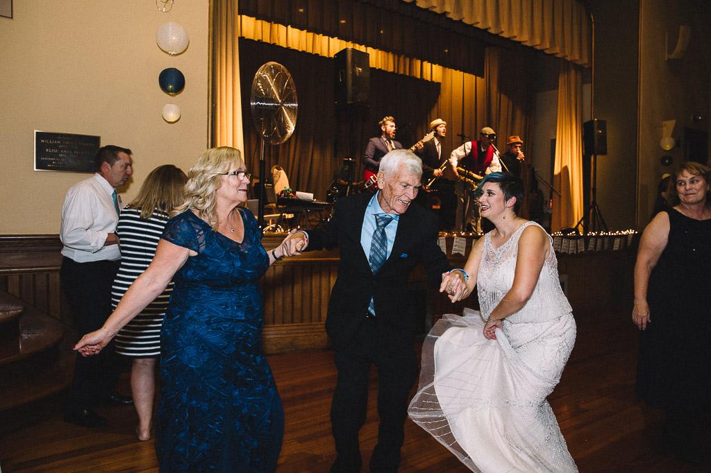 uniquemassachusettswedding-36.jpg