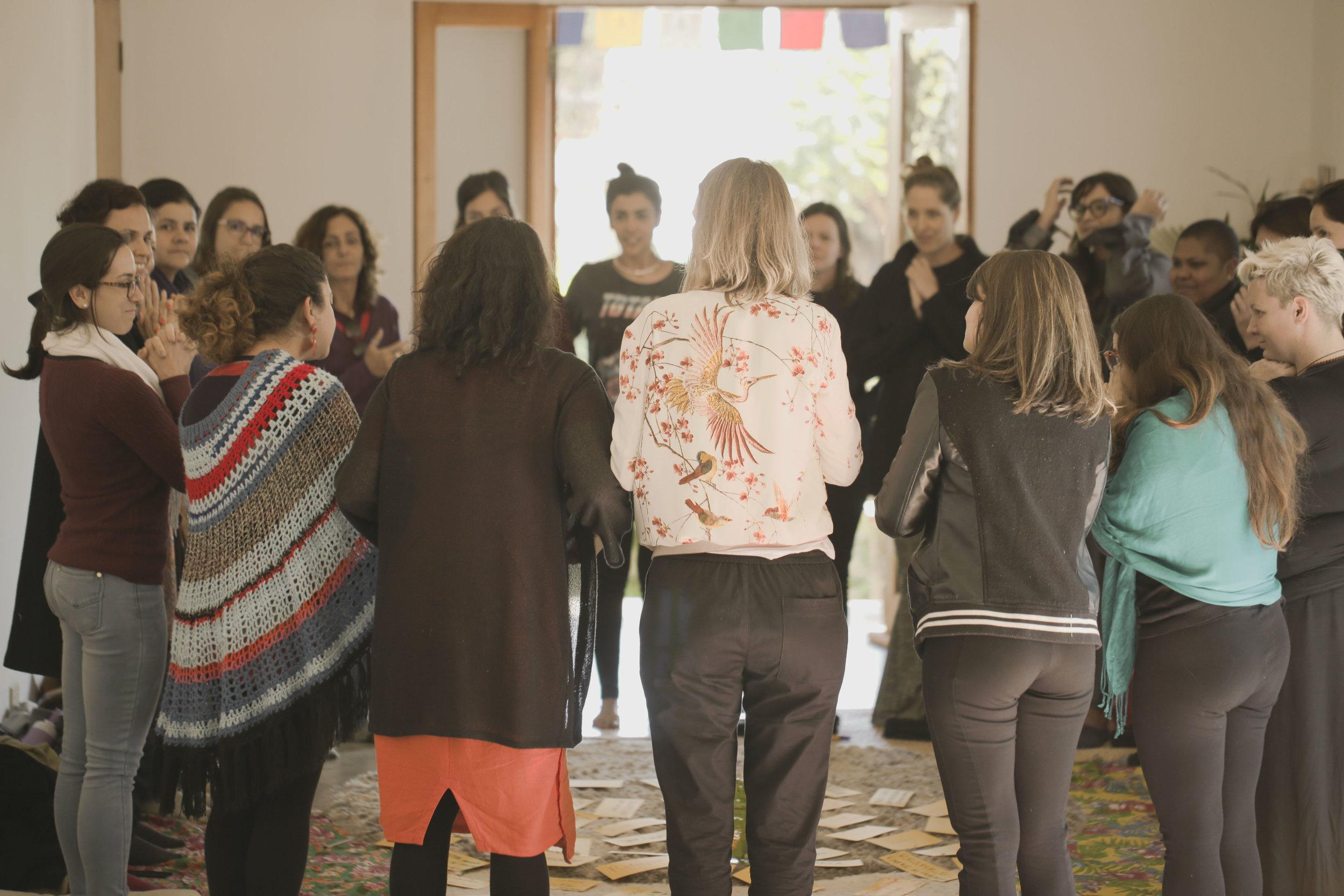 Comum - Uma plataforma de florescimento humano para mulheres, que une gênero com temas de desenvolvimento humano.