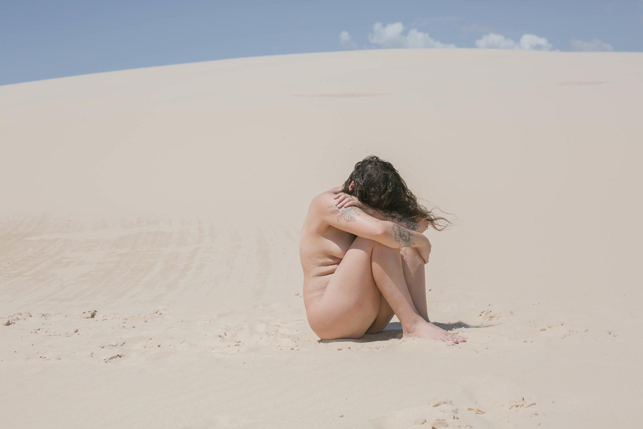 Olhar de Beatriz Xavier, artista convidada para nossa jornada sobre finitude