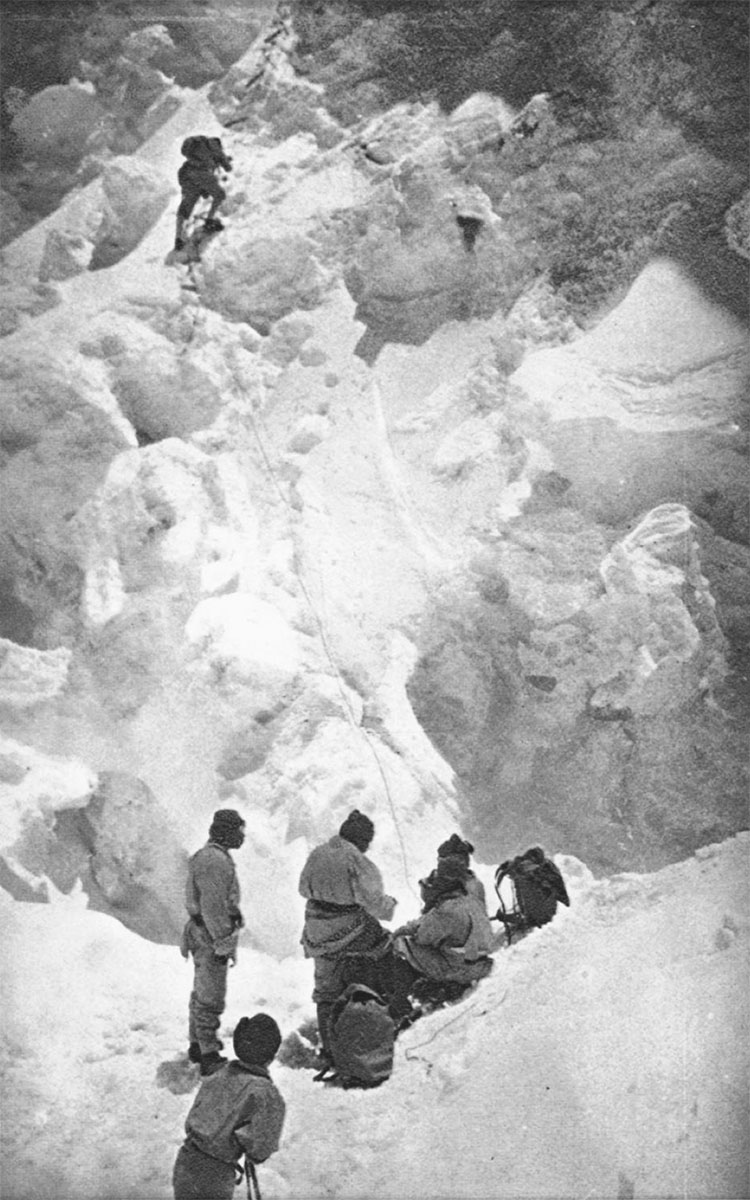 An image from the 1924 Everest expedition