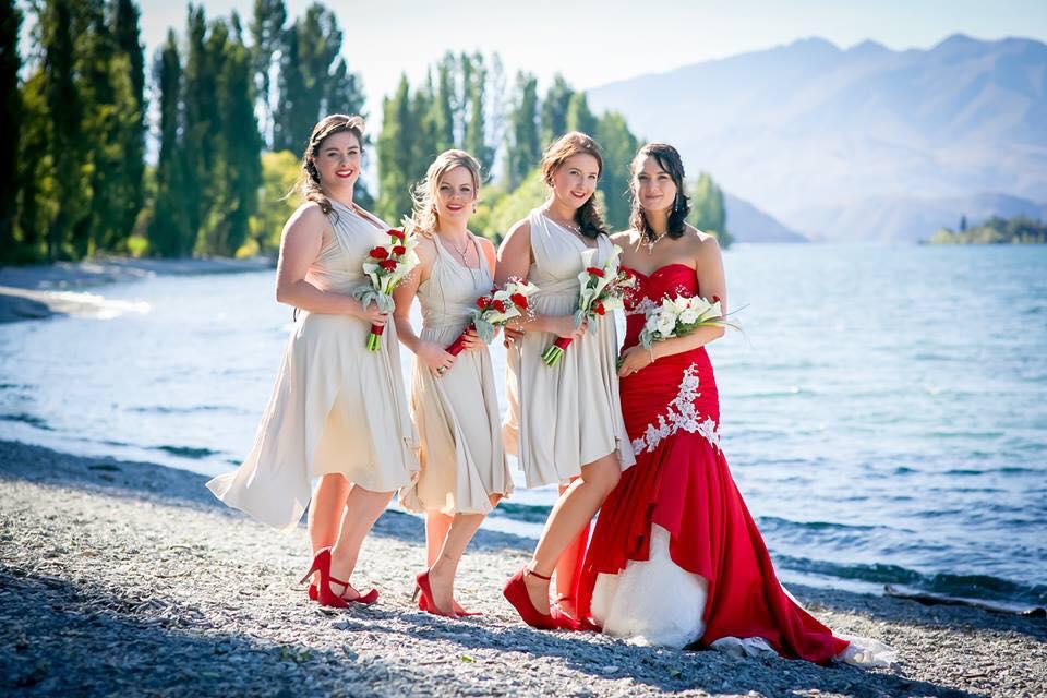 Bridal_bridesmaids_bridenz.jpg