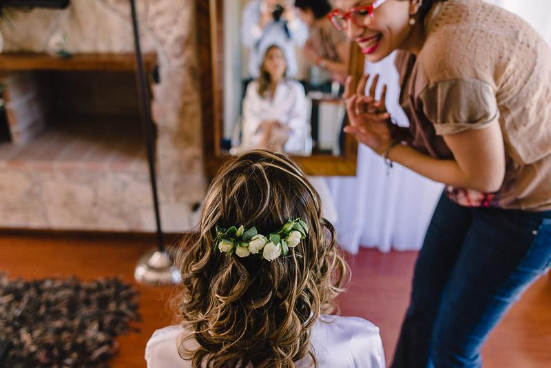 reflejo novia maquillandose
