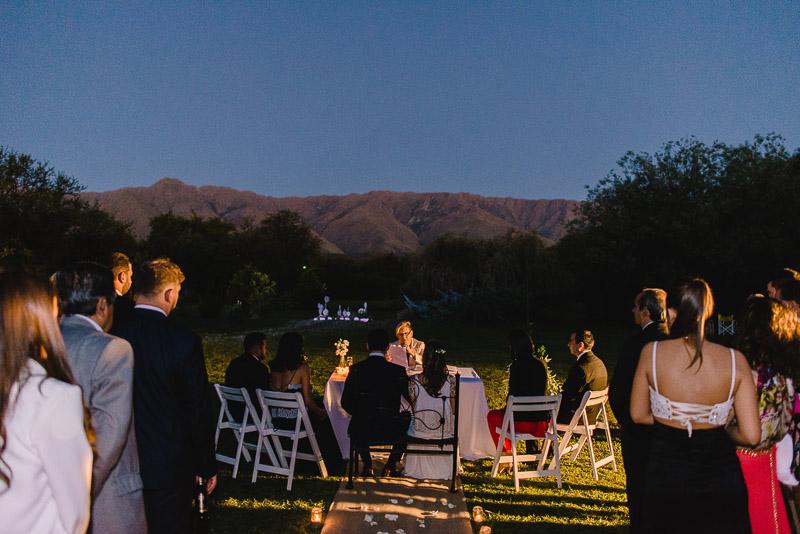 ceremonia civil, de fondo cerro champaqui