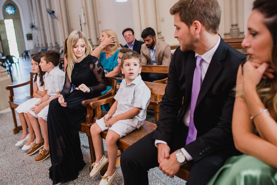 miradas entre los invitados