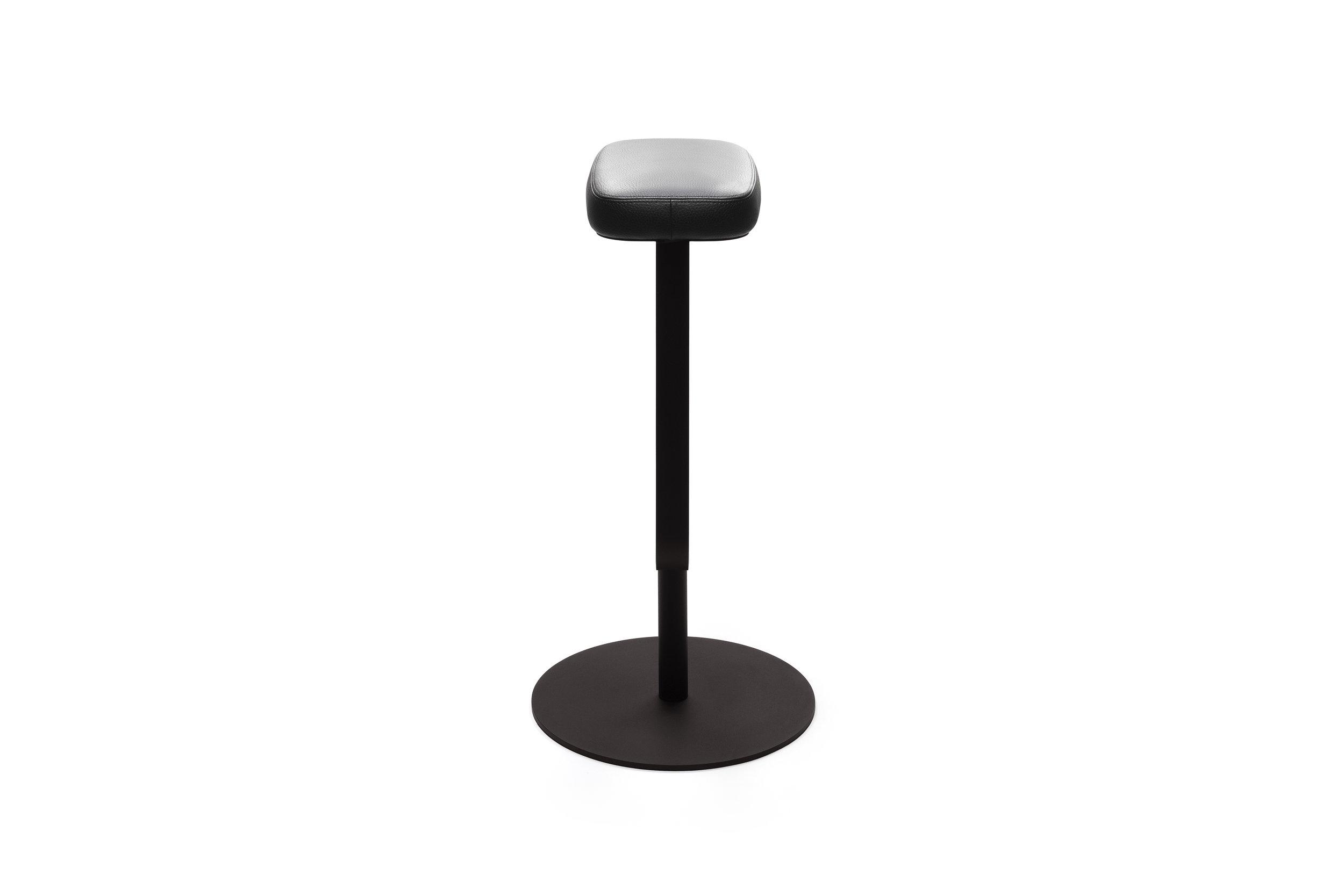 OBJEKTEN_Slim_Bar stool_AlainBerteau_1.jpg