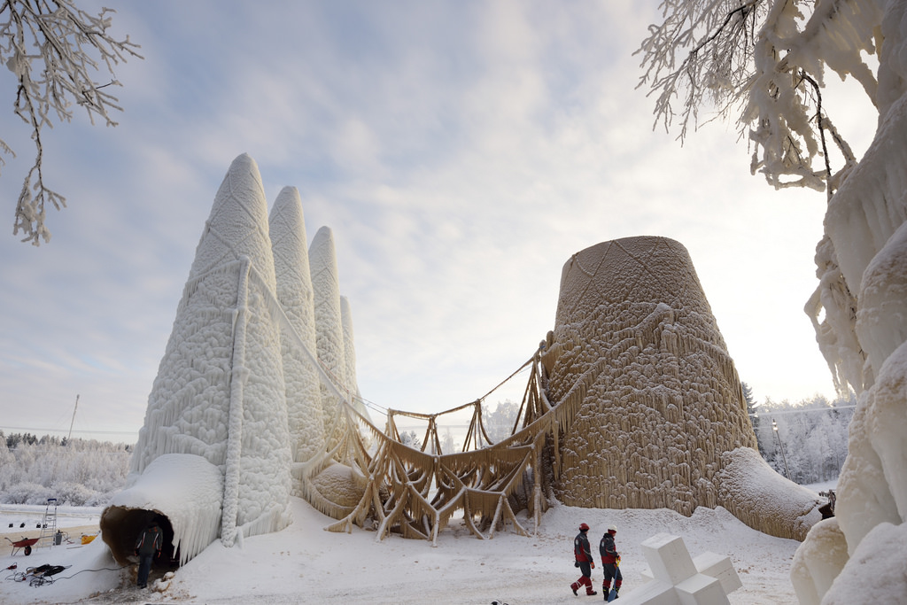 Sagrada familia in ice, photo by TU/e, Bart van Overbeeke