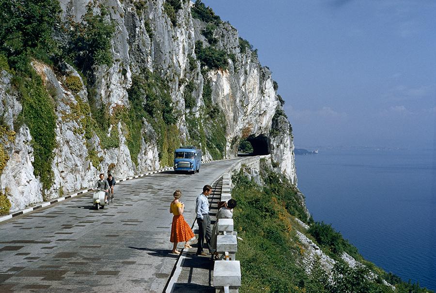 Strada panoramica nei pressi di Trieste, 1956\B. ANTHONY STEWART, NATIONAL GEOGRAPHIC CREATIVE