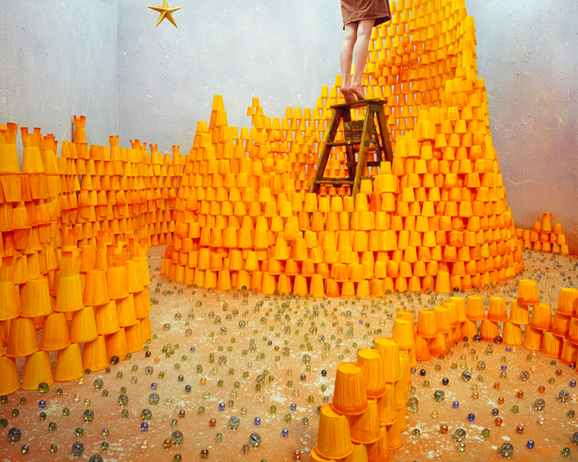"""JeeYoung Lee, """"Reaching for the star"""", courtesy Opium gallery"""