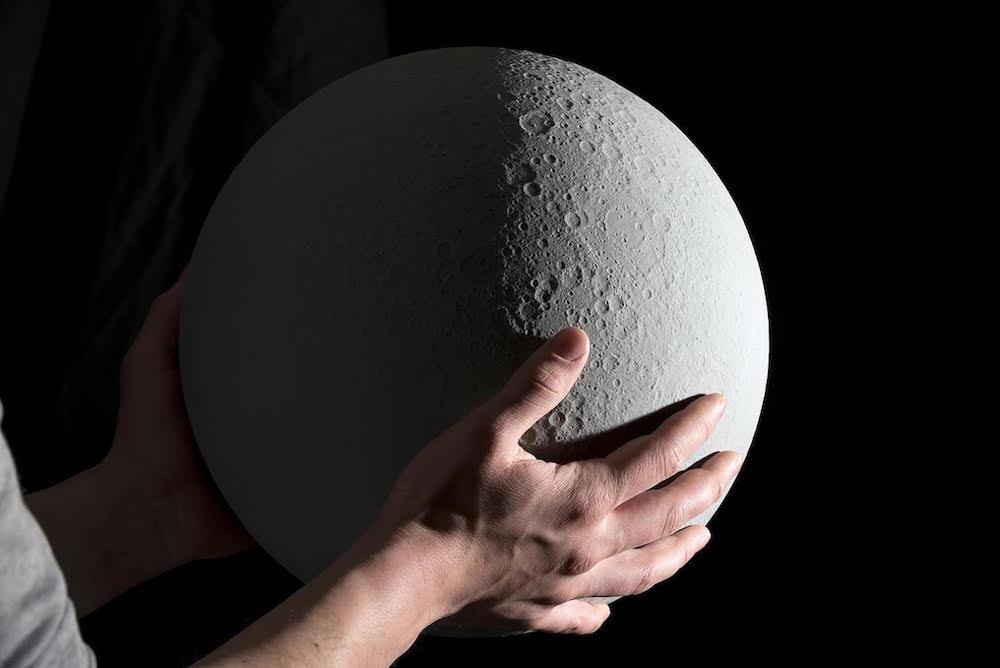 moon-globo-lunare-3d.jpg