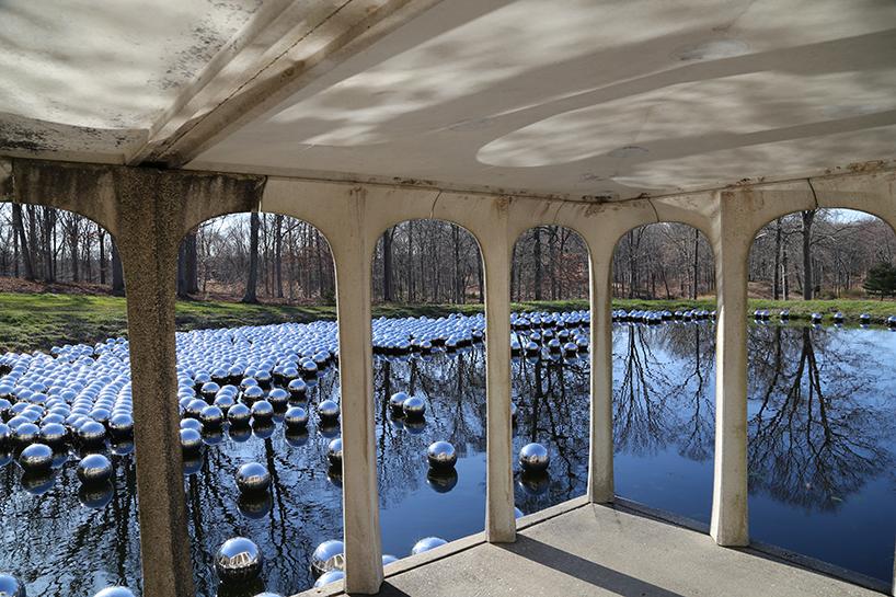 narcissus-garden-yayoi-kusama-the glass-house.jpg