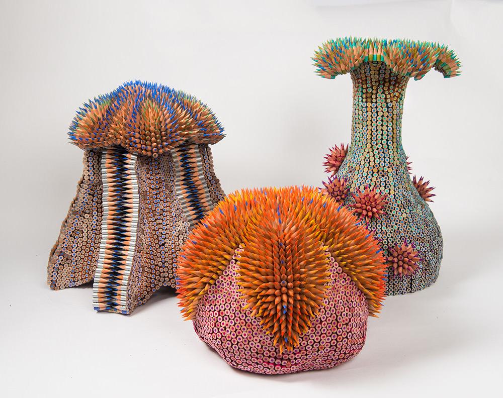 Le sculture di Jennifer Maestre sono cucite a mano dall'artista stessa