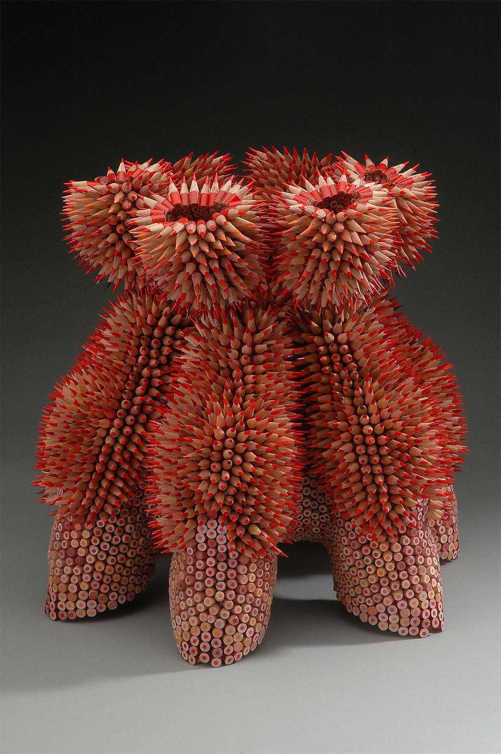 I soggetti rappresentati da Jennifer Maestre sono a volte piante grasse