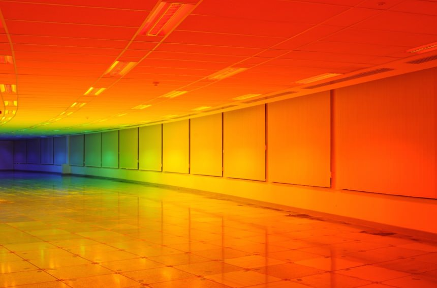 "LizWest, ""Our color perception"" installazione per la Biennale di Bristol"