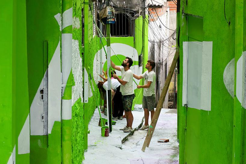 Boa Mistura, Luz nas Vielas, 2017, Magica (durante la realizzazione insieme agli abitanti)