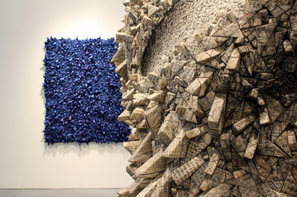 """Dettaglio di""""Aggregation 06-JN028"""" con """"Aggregation 12-MY026,"""" 2012, photo © Arts Observer"""