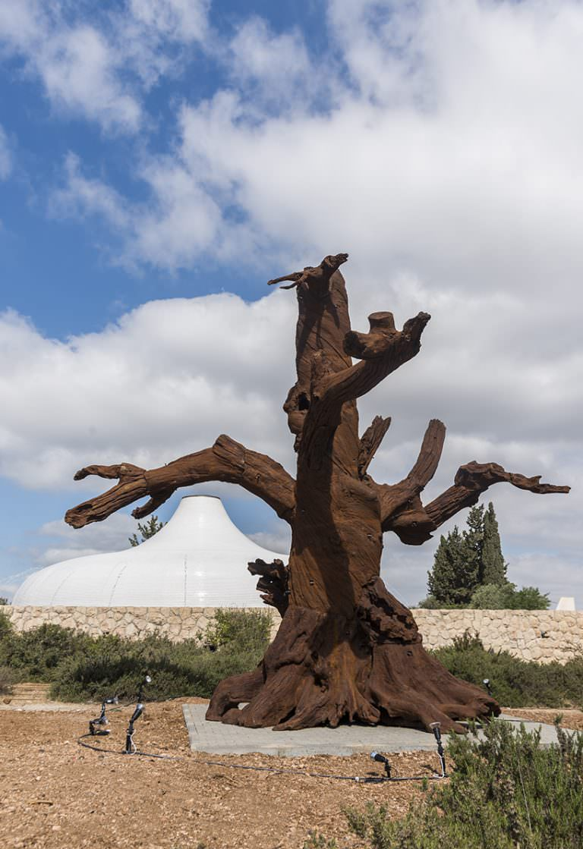 ai-weiwei-iron-trees-museo-israele-01
