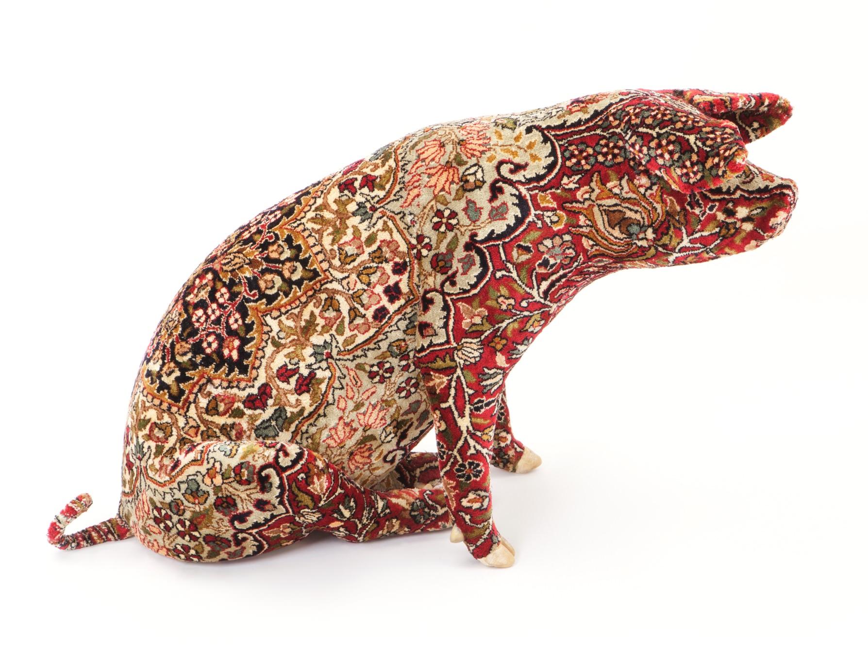 Wim Delvoye, Tabriz, 2010, L 95 x 37 x H58 cm, stuffed carpet pig